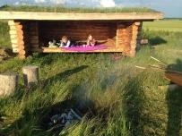 Overnatning i den lille shelter Corvus